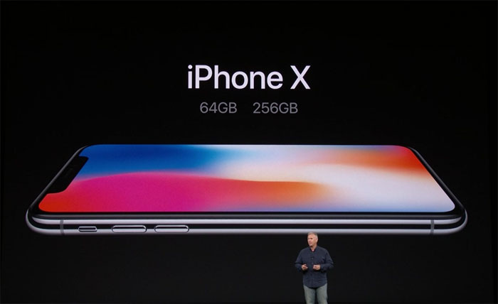 Tim Cook predstavlja iPhone X