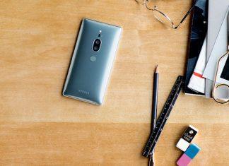 Sony Xperia XZ2 Premium na stolu